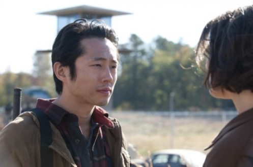 The-Walking-Dead-Season-3-Episode-15-This-Sorrowful-Life-07-550x365